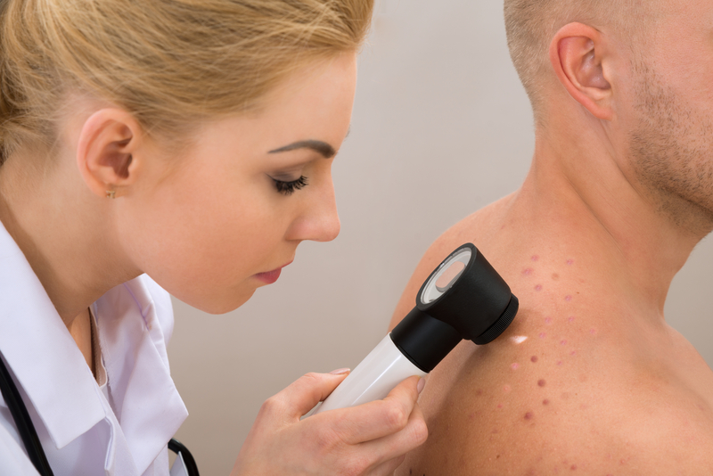 Whats the difference between skin cancer and melanoma